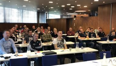 Spitzenschiedsrichter des Tiroler Fußballverbandes absolvieren Frühjahrsseminar